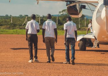guides-airport-mbarara